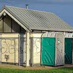Les toilettes du parking des nutons-9457