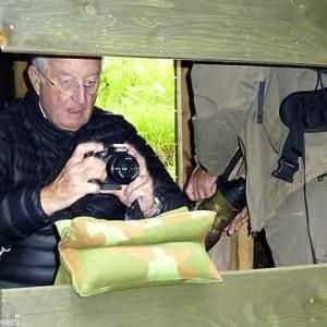 Notre Roi Albert II photographie les blaireaux