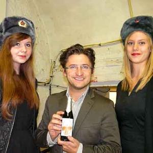 Gilles Foret (MR) avec Alexandra Bragina et Catherine Steurs pour le centenaire de la grande guerre