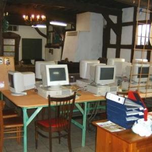 Les ateliers organises par Couleur Cafe occupent les lieux