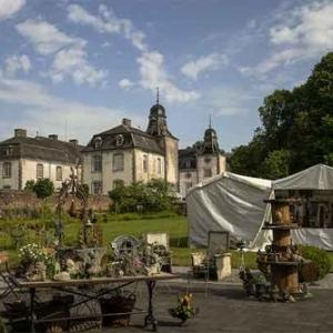 Brocante de charme au Chateau de Deulin