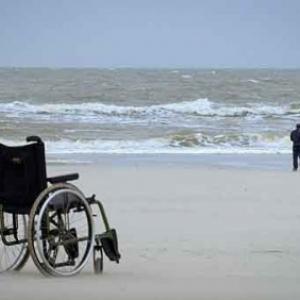 Je marcherai jusqu'a la mer.