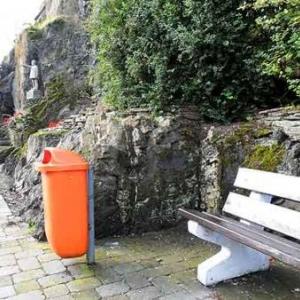 9. Aire de repos devant le Pogge, bourgeois de Schaerbeek chez les Bordjeus de Houffalize.