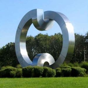 2_sculpture de Serge Gangolf membre du jury 2015