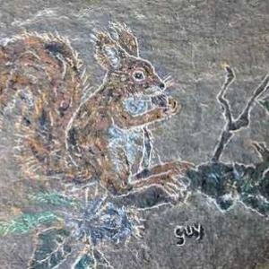 Decoration sur pierre par Guy Grognard, un responsable de l'entretien du parc  Chlorophylle