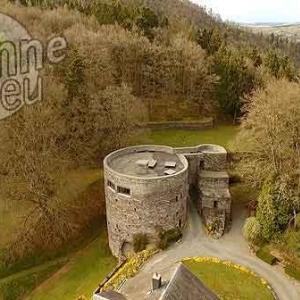 tours féodales de l'ancien château des Comtes de Salm