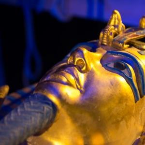 Couvercle_Sarcophage_Replique(c)EuropaExpo.jpg Couvercle du sarcophage de Toutankhamon, réplique © EuropaExpo