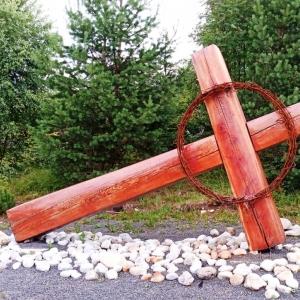 Station 7  : Le Seigneur Jésus tombe sous la croix pour la deuxième fois - Jaroslav Drotár (SK) 2012 ( photo : F. Detry )
