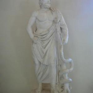Musee d'Epidaure : Asklipios et son caducee