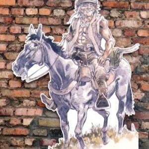 Des personnages de Hermann agrementent les rues de la ville