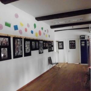 er etage : Locaux pour activites diverses