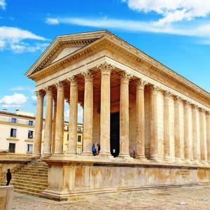 1. Nîmes - Gard - La Maison carrée