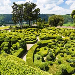 10. Les jardins suspendus de Marqueyssac et leur panorama sur la Dordogne