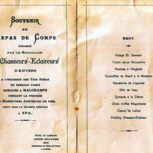 Les pages centrales du souvenir du 7 juin 1908 (© Roger Renard)