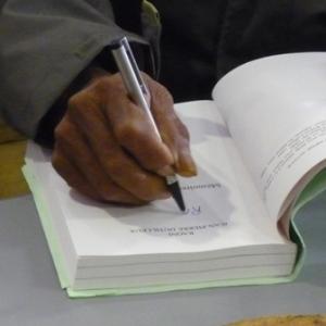 Dedicace de son livre