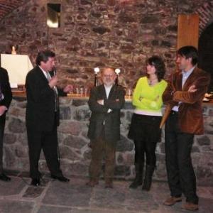 M. le Bourgmestre, M Burton, le President du Centre culturel, la photographe liegeoise et M le Consul d'Italie
