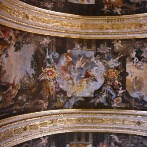 Voute faite de peintures de Preti : vie de Saint Jean-Baptiste