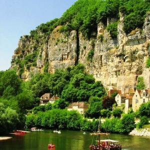 4. Le Périgord au fil de l'eau : la Vézère en canoë-kayak et la Dordogne en gabare