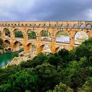 5. Le Pont du Gard  ( Gard )
