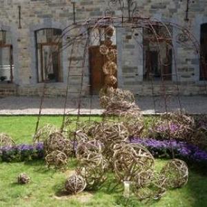 Le Monastere decore par la delegation de Hesbaye - Condroz