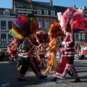 La danse de la Haguete ( dimanche a 13 h )