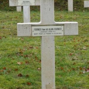 Tombe d'Alain Fournier au cimetière de St Remy