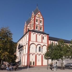 Liege : Promenade dans le quartier de Feronstree ( Eglise St Barthelemy et ses fonts baptismaux )