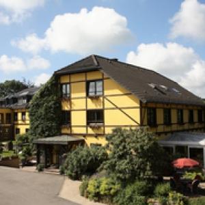 BUTGENBACH : Hotel Butgenbacher Hof