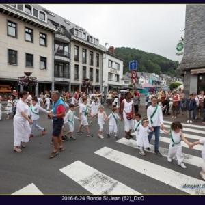 Farandole en ville ( Photo Denis DOSQUET )