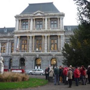 Devant le Conservatoire royal de Liege