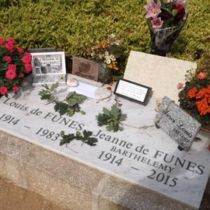 La tombe du couple de Funes au cimetiere de Le Cellier