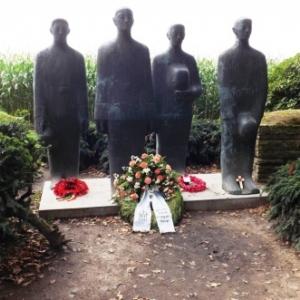 """""""Trauernde Soldaten"""" (soldats en douleur muette)"""