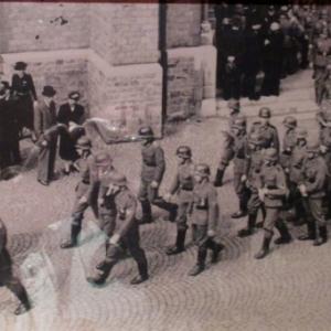 Enterrement de 3 soldats wallons morts pour le Fuhrer