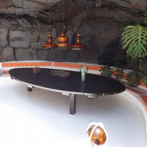 Un salon dans une des bulles de lave