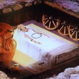 La tombe a char d'une femme ( le char ayant ete utilise pour le transport du defunt est demonte et enferme dans la tombe )