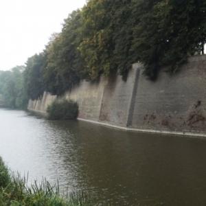 Les remparts construits par Vauban ( en briques )