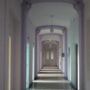 Des couloirs desormais deserts