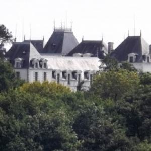 Le chateau de Clermont ( cote Loire ) )