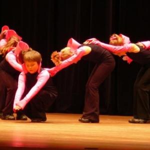 """Danses par les jeunes du """" Sart Swing """""""
