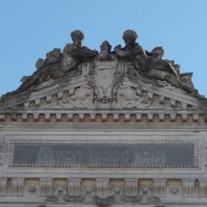 Detail de la facade du  theatre  ( 1868 )