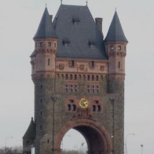La Porte - Tour sur le Rhin
