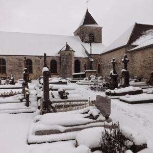 Le cimetière de Colombey les Deux Eglises sous la neige
