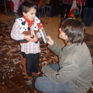 Televesdre interviewe un jeune carnavalisant