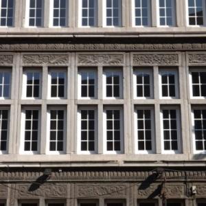 Liege : Promenade dans le quartier de Feronstree ( detail d'une facade typique