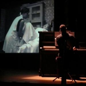 Insertion cinematographique avec accompagnement au piano