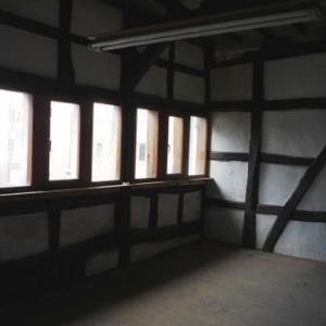 Le premier etage ( ancienne salle de sechage des peaux ) en attente de renovation