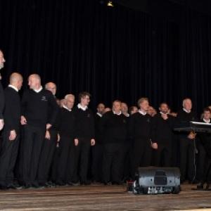Nouvelle prestation des chanteurs de la R.M. ( Photo de G. Blanchy )