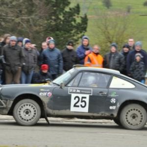Max Martin et son pere Jean-Michel au volant d une Porsche 911