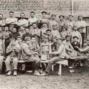Des ouvriers du coticule - Ateliers Jacques a Salmchateau - debut du siecle