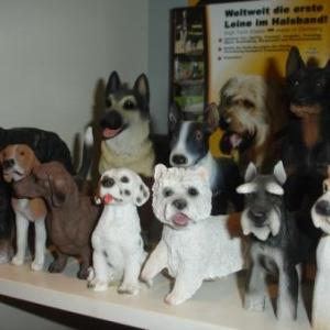 statuettes chiens et chats